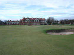 The 18th green and clubhouse